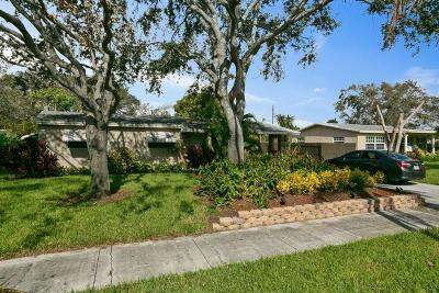 Delray Beach Single Family Home For Sale: 1636 NE 3rd Avenue