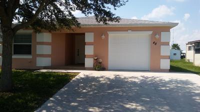 Port Saint Lucie Single Family Home For Sale: 48 Huarte Way