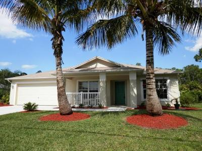 Port Saint Lucie Single Family Home For Sale: 1383 SE Coral Reef Street