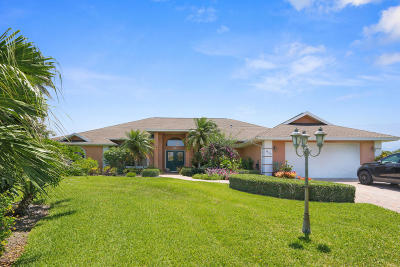Jensen Beach Single Family Home For Sale: 2069 NE Ginger Terrace