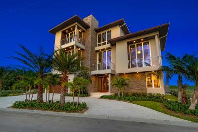 Jensen Beach Single Family Home For Sale: 8104 S Ocean Drive