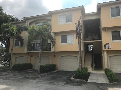 Royal Palm Beach Condo For Sale: 300 Crestwood Court #309