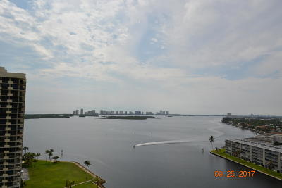 North Palm Beach Condo For Sale: 123 Lakeshore Drive #1843