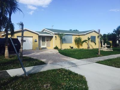 Boynton Beach Single Family Home For Sale: 121 W Ocean Avenue