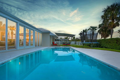 Jupiter Single Family Home For Sale: 140 Golfview Drive