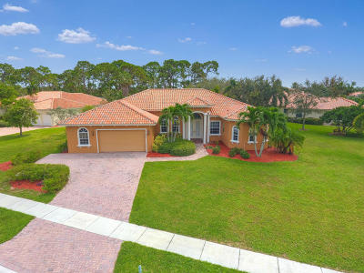 Hobe Sound Single Family Home For Sale: 8802 SE Oak Grove Terrace