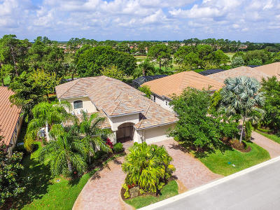 Port Saint Lucie Single Family Home For Sale: 8717 Bally Bunion Road