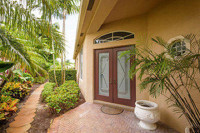 Palm Beach Gardens Single Family Home For Sale: 118 Banyan Isle Drive