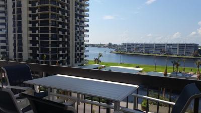 North Palm Beach Condo For Sale: 108 Lakeshore Drive #541