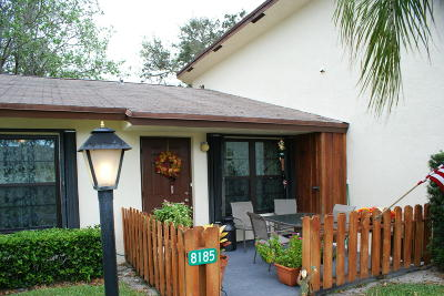 Hobe Sound Single Family Home Contingent: 8185 SE Villa Way #2721