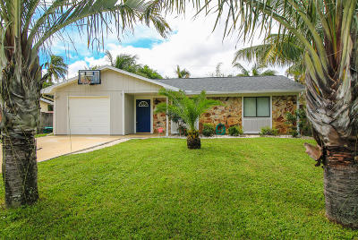 Stuart Single Family Home Contingent: 5598 SE Pine Avenue