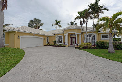 Jensen Beach Single Family Home For Sale: 83 Aqua Ra Drive