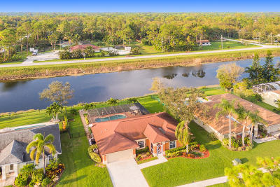 Royal Palm Beach Single Family Home For Sale: 153 Monterey Way