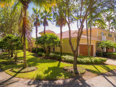 North Palm Beach Townhouse For Sale: 101 Renaissance Drive