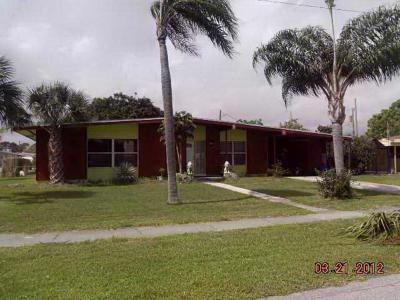 Port Saint Lucie Single Family Home Contingent: 150 SE Entrada Avenue