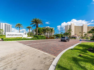North Palm Beach Condo For Sale: 123 Lakeshore Drive #445