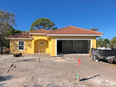 Jupiter Single Family Home For Sale: 18932 SE Hillcrest Drive