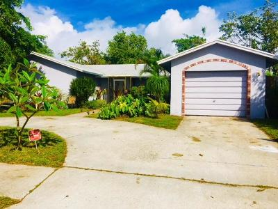 Delray Beach Single Family Home For Sale: 6529 Winding Brook Way