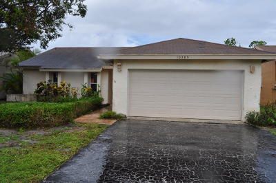 Boca Raton Single Family Home For Sale: 10385 Greenbriar Court