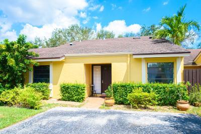 Boca Raton Single Family Home Contingent: 22475 Vistawood Way