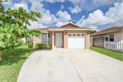 Boynton Beach FL Single Family Home For Sale: $199,000