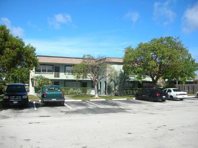Pompano Beach Multi Family Home For Sale: 2255 SE 5th Street