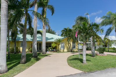 Hobe Sound Single Family Home For Sale: 9133 Saturn Street