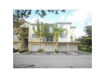 Royal Palm Beach Condo For Sale: 400 Crestwood Court #407