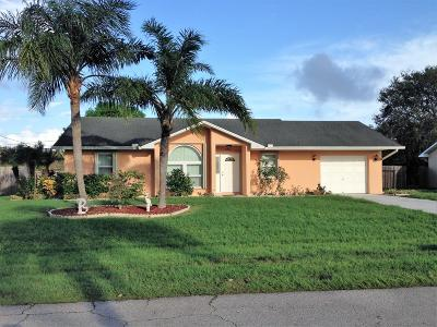 Port Saint Lucie Single Family Home Contingent: 2431 SE Marseille Street