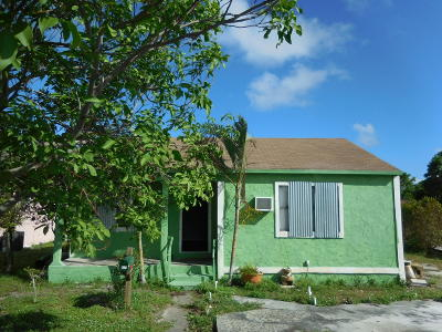 West Palm Beach Single Family Home For Sale: 1027 Summit Boulevard