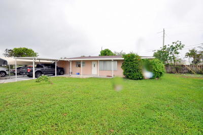West Palm Beach Single Family Home For Sale: 1738 Live Oak Drive