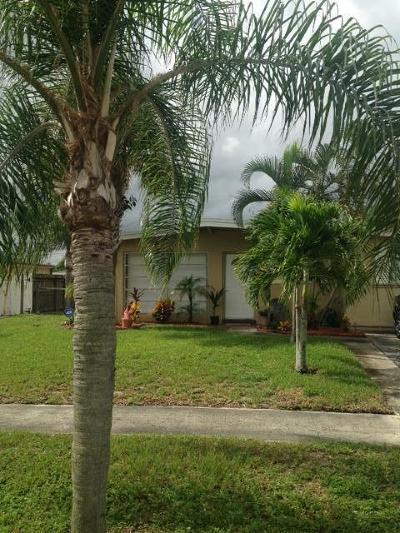West Palm Beach Single Family Home For Sale: 5698 Elder Drive