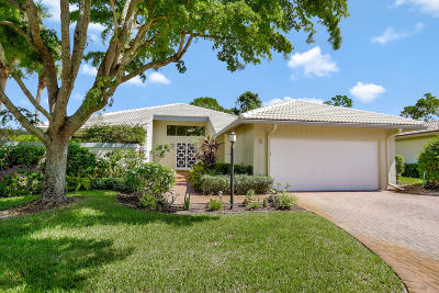 Boynton Beach Single Family Home For Sale: 5 Glens Drive E
