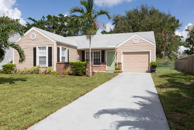 Boynton Beach Single Family Home For Sale: 5562 Pebble Brook Lane
