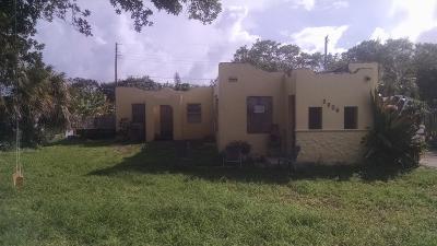 West Palm Beach Multi Family Home For Sale: 2606 Hiawatha Avenue