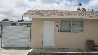 West Palm Beach Multi Family Home For Sale: 4586 Elmhurst Road