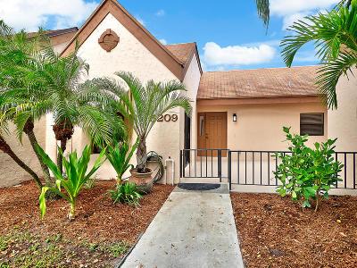 Palm Beach Gardens Townhouse For Sale: 5209 Peppercorn Street