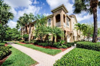 Palm Beach Gardens Townhouse For Sale: 4891 Bonsai Circle #211