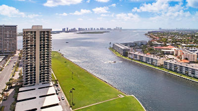 North Palm Beach Condo For Sale: 123 Lakeshore Drive #944