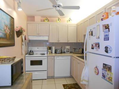 Boynton Beach FL Single Family Home For Sale: $135,000