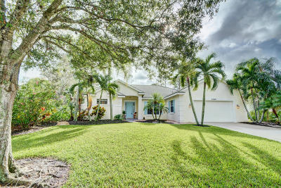 Palm City Single Family Home For Sale: 2540 SW Nutcracker Way