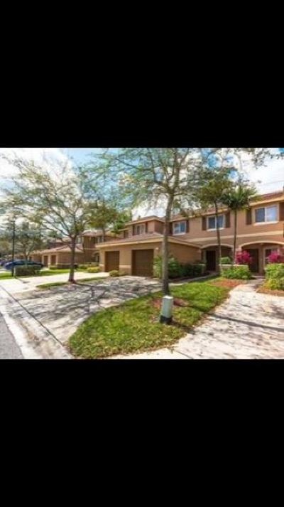 West Palm Beach Townhouse For Sale: 9406 Lily Bank Ct
