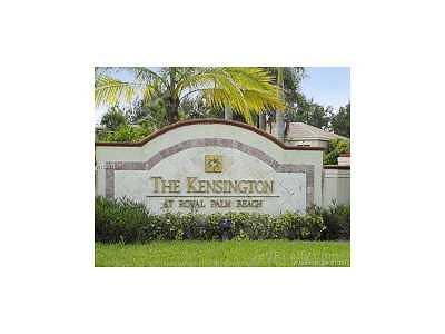 Royal Palm Beach Condo For Sale: 340 Crestwood Circle #301