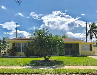 Lake Worth Single Family Home For Sale: 223 Vanderbilt Drive
