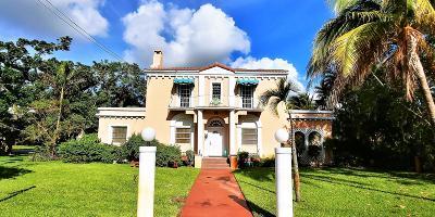 Lantana Single Family Home For Sale: 209 S Lake Drive