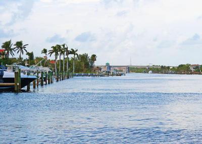 Palm Beach Gardens Townhouse For Sale: 2359 Treasure Isle Drive #A30 W/Do
