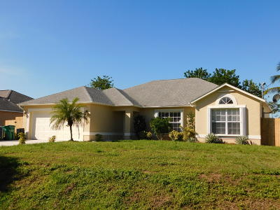 Port Saint Lucie Single Family Home For Sale: 2110 SW Algiers Street