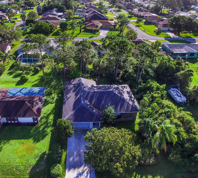 Port Saint Lucie Single Family Home For Sale: 1373 SE Bayharbor Street