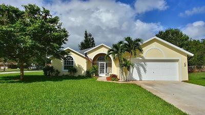 Port Saint Lucie Single Family Home For Sale: 2213 SE SEafury Lane