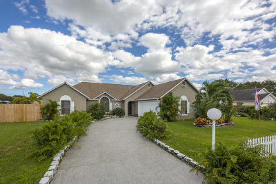 Port Saint Lucie Single Family Home For Sale: 1913 SW Cranberry Street